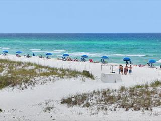 ROOM FOR 8! PRIVATE BEACH!OPEN WEEK 4/11-4/18 TAKE 20% OFF - Destin vacation rentals