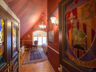 The Baroque House  -Weekly Rates Save 35%! - Niagara-on-the-Lake vacation rentals
