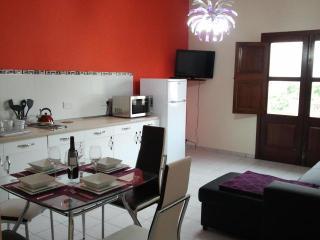 Free airport pick up,1 bedroom flat NEW - Msida vacation rentals