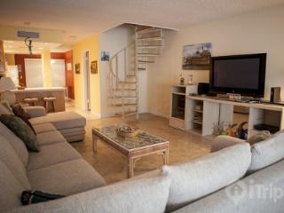 Family Friendly Executive Bay**Discounts Available** - Miami vacation rentals