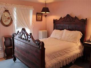 Antique Double Bedroom Andrea's Bed and Breakfast - Niagara Falls vacation rentals