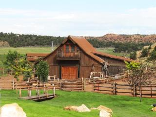 2 bedroom Cabin with Internet Access in Capitol Reef National Park - Capitol Reef National Park vacation rentals