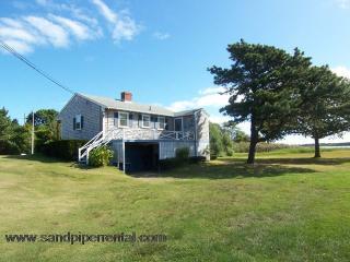 #713 Quaint Martha's Vineyard cottage with water views - Weston vacation rentals