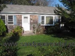 #7772  ranch style home w/ large backyard, sun porch & deck - Image 1 - Weston - rentals