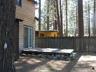 Darling 'old time Tahoe' log cabin in the heart of town! - South Lake Tahoe vacation rentals