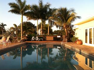 ~ ~ ~ TROPICAL POOL HOME on TRANQUIL LAKE ~ ~ ~ - Fort Lauderdale vacation rentals