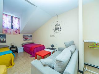 Charming, heart of Madrid, LOW COST, 70m2, Parking - Madrid vacation rentals