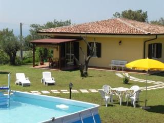 Girasole in villa pool garden quiet area Tropea - Tropea vacation rentals