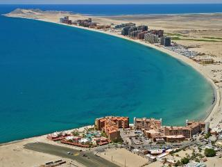 Mayan Palace Puerto Penasco: Master Room, Sleeps 4 - Puerto Penasco vacation rentals