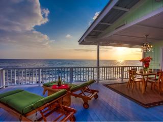 Stunning Kona Oceanfront Cottage - Kona Moana Hale - Kailua-Kona vacation rentals