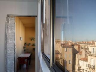 Apartment 02, Spacious 1 Bedroom Rental in Center of Marseille - Marseille vacation rentals