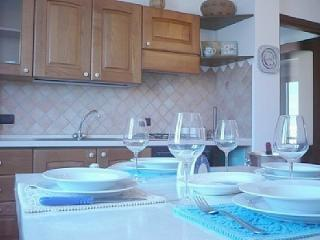 Comfortable 2 bedroom Condo in Alghero - Alghero vacation rentals