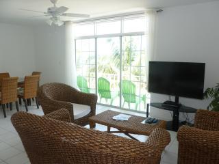"Ocean Front in Paradise ""Flamingo Cay Apartment"" - Nassau vacation rentals"