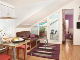 Cozy penthouse with private terrace Ap2 - Vienna vacation rentals
