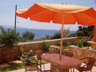 Bright 2 bedroom Villa in Argostolion - Argostolion vacation rentals