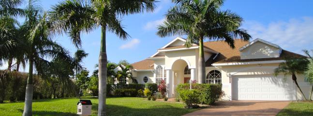 Villa TauroZorro - Villa TauroZorro, sw-facing, pool/spa, Gulf access - Cape Coral - rentals