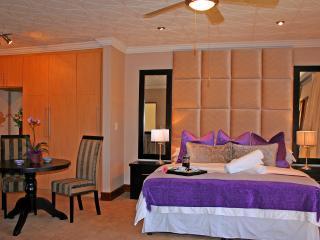 6 bedroom B&B with Short Breaks Allowed in Bela Bela - Bela Bela vacation rentals