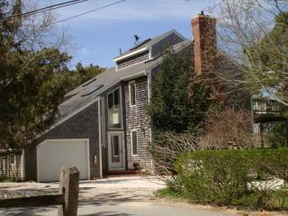 2 blocks to Bay, Modern, Internet-Air Conditioning - Wellfleet vacation rentals