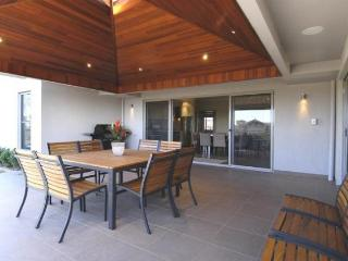Lovely House with Dishwasher and Alarm Clock - Pokolbin vacation rentals
