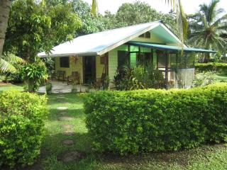 Perfect 1 bedroom House in Maharepa - Maharepa vacation rentals