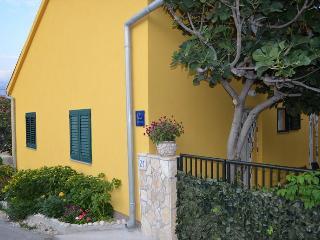 Negro apartmani - Razanac vacation rentals