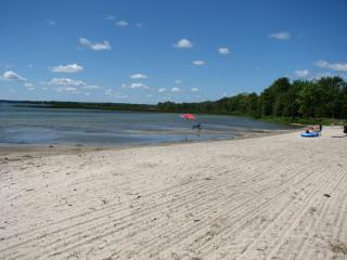 WATERFRONT 2 Bedroom Condo on Lake Simcoe - Brechin vacation rentals