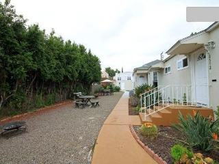 WHOLE COMPLEX Bright Near Gaslamp, Zoo, Convention - Pacific Beach vacation rentals