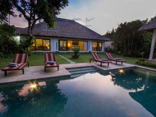 Villa Kamboja Master, 3 bedroom ensuite own pool - Legian vacation rentals