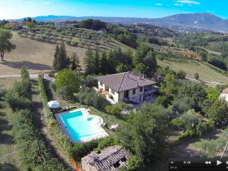 Wonderful 4 bedroom Villa in Terni - Terni vacation rentals