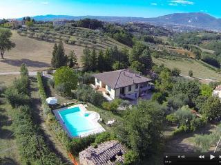 Wonderful 4 bedroom Terni Villa with Deck - Terni vacation rentals