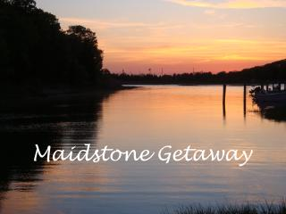 Private waterfront setting, kayaks, walk to beach - East Hampton vacation rentals