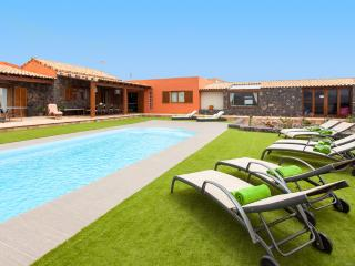 A luxury countryside Villa. - La Asomada vacation rentals