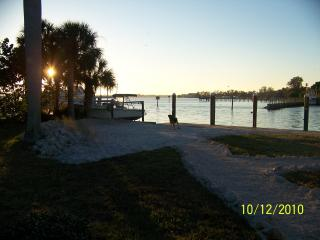 Cut House- Waterfront, dock, ocean access, beach - Palmetto vacation rentals