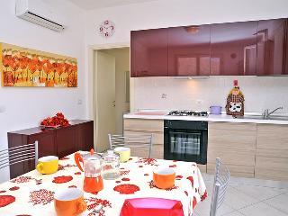 Villetta Best  piano terra, ampio cortile privato - Lido delle Nazioni vacation rentals
