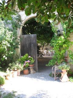 Beautiful, comfortable apartments Drôme Provençal - Sauzet vacation rentals