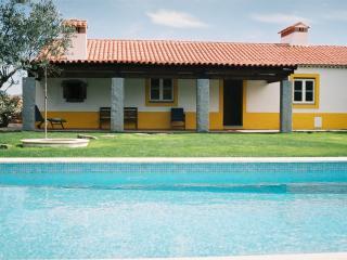 Casa das Amoras- until 10 pp - Portalegre vacation rentals