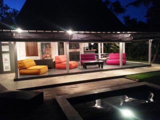 VILLA CANGGU Limasan - Canggu vacation rentals
