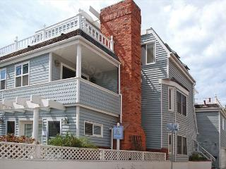 816 Monterey Court- 3-bedroom vacation rental. Sleeps 9 Steps to Bay/ Beach - Pacific Beach vacation rentals