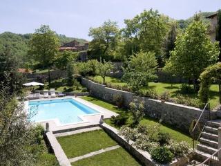 Villa Massimo independent Villa with swimming pool - San Godenzo vacation rentals