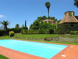 7 bedroom House with Private Outdoor Pool in Crespina - Crespina vacation rentals