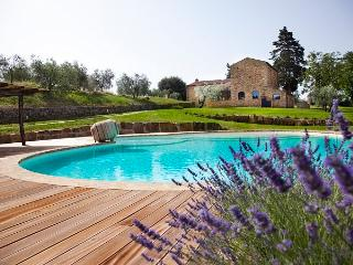 6 bedroom House with Private Outdoor Pool in Poggibonsi - Poggibonsi vacation rentals