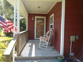Nice Cottage with Deck and Internet Access - Harkers Island vacation rentals