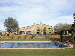 MAS ISERN, Exclusive medieval villa at Costa Brava - Peratallada vacation rentals