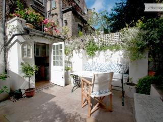Chelsea Garden Flat, 2 bed 2 bath - London vacation rentals