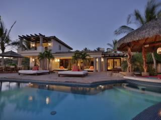 Stunning 4BD pool/hot tub/ just steps to the beach! - San Jose Del Cabo vacation rentals