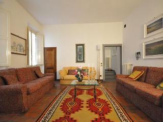 Little Gem; Florence Apartment near Santa Croce - Florence vacation rentals