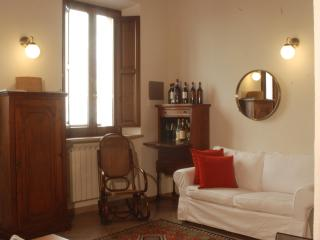 CasaMontepulciano, In the heart of Montepulciano - Sant'Albino vacation rentals
