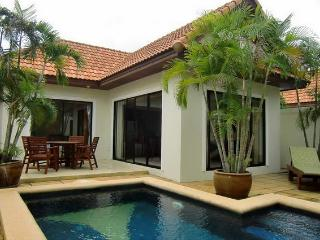 1BedrPoolVilla/FreeWiFi/Pattaya/nearJomthienBeach - Bangkok vacation rentals