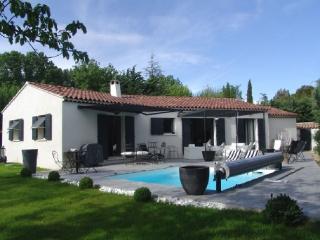 Superb Aix En Provence Holiday Rental Villa with a Pool - Aix-en-Provence vacation rentals