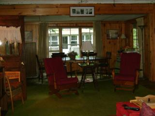 Blodgett's Landing - Lake Sunapee Quaint Cottage - Henniker vacation rentals